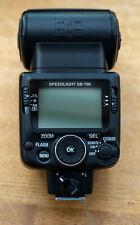 NIKON Speedlight SB-700 Blitzgerät - Mit Blitzkabel Nikon SC-29