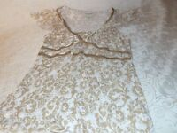 Banana Republic Blouse Ladies Casual Short Sleeve Gold Paisley Detail Top Size M