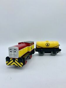 Thomas & Friends Trackmaster - Dart and Yellow Tanker Cargo motorized engine