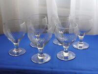 6 anciens verres gravés à vin   old glass  art de table