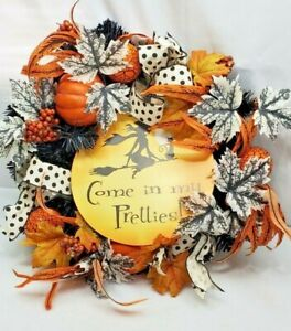 "Halloween Wreath 21"" x 21"" Pumpkins ,Witch"
