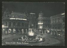 AD8132 Genova - Città - Piazza De Ferrari di notte - Brandy Stock