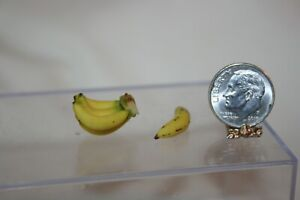 Miniature Dollhouse Artist Sculpted Hand/Bunch & Finger of Bananas 1:12 NR