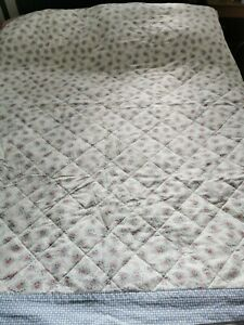 """Hand made quilted eiderdown bed covering 66"""" x 68"""" Reversible roses design"""