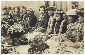 1920's Honolulu, Hawaii REAL PHOTO Natives Selling Flowers, Vintage Postcard
