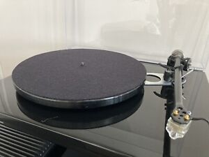 Rega RP6 Turntable in Black With Upgrade and Audio Technica AT33sa Mc Cartridge