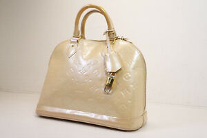 Auth Pre-owned Louis Vuitton Vernis Blanc Corail Alma Pm Hand Bag M91445 210293