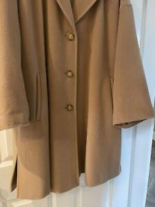 Max Mara Camel Short Coat Size 12 100% Pure Wool