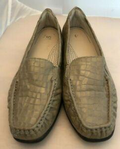 SAS TRIPAD Comfort  Leather Womens Loafer 8 M Tan  Loafer Slip On - Croc Patent
