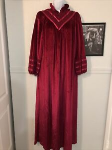 Rare Vintage gilligan omalley housedress Coat Nightgown Red Peasant Sissy Velvet