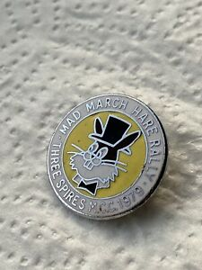 OLD THREE SPIRES M.C.C. MCC MAD MARCH HARE RALLY 1979 MOTORCYCLE PIN BADGE