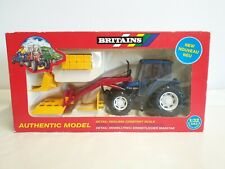 Britains #9649 New Holland 6635 Tractor w/Front Loader & Bales 1:32