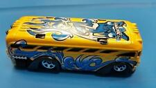 RARE SURFIN' SCHOOL BUS * YELLOW w BLUE WAVES 2004 HW TAG RIDES HOT WHEELS OPEN