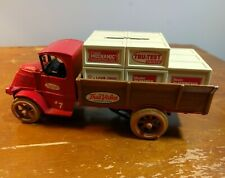 1926 Mack Bulldog Delivery Truck w/Crates Bank True Value #7 Die-Cast