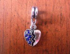 pendentif argenté coeur brisé strass bleu