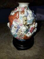 Chine XIXème siècle Flacon tabatière en porcelaine et émaux famille rose Luhoan