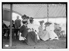 Spectators,scorers at Essex Country Club golf tournament,women,May 26,1908 5479