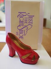 Mib Just The Right Shoe Raine Ravishing Red #25001 Retired Miniature Collectible