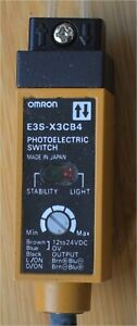 OMRON E3S-X3CB4 PHOTOELECTRIC SWITCH - New and unused in box