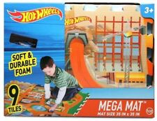 Hot Wheels Mega Mat Soft&Durable Foam 35 in x 35 in Vehicle Included/Crc8/12