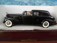 1/43  Rextoys (Portugal)  1938-1940 Cadillac V 16  coupe de S.S Pie XII