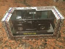1956 Ford F-100 M2 Machines 1:64 Ground Pounder In Black
