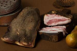 GUANCIALE (GOTA) STAG.AL PEPE KG.1 CIRCA (Tuscan seasoned cheek with pepper)