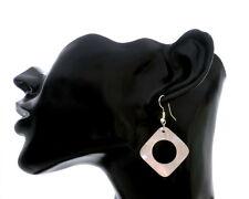 Moderne Ohrringe, echtes Perlmutt, Naturmaterial, Handarbeit, modern Raute eckig