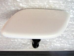 NEW LEXUS SC430 FRONT BUMPER WASHER NOZZLE COVER WHITE CAP LEFT  2002 2003 2004