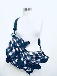 """Jansport Black/Pink Duffle Bag Shoulder Travel/Gym Bag - 22.5"""" x 12"""" x 10.5"""""""