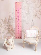 Gr/áfico de altura crecimiento rosa hecho de madera con motivos de princesas para la habitaci/ón de las m/ás peque/ñas