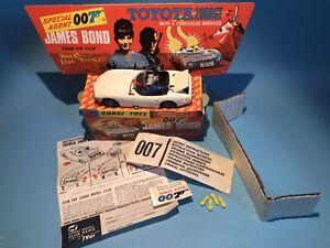 CORGI TOY 336 JAMES BOND 007 TOYOTA GT2000 SPECIAL AGENT SET BOXED & ACCESSORIES