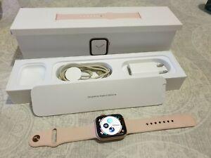 Apple Watch Series 4 44mm Caja de Aluminio en Oro y Correa Deportiva en Rosa, R…