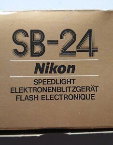 Nikon speed light SB-24