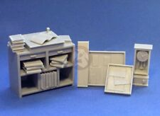 Resicast 1/35 (and 1/32) Workshop Foreman's Desk & Accessories WWI / WWII 352384