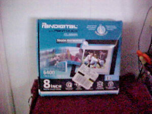 Pandigital Digital Photo Frame 6400 images 1 GB Pantouch Clear 8 inch Simple