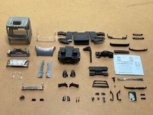 Tekno | 79677 Volvo FH4 low cabin kit with spoiler set 1:50 Scale Tekno Kits