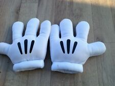 Mickey Mouse Hands Large Padded Gloves from California disney  holiday paris