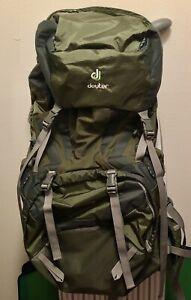 Deuter Act Lite 65+10 Backpack Hiking Pack  granite/emeral
