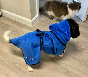 Microfibre Dog Towel Robe Allows Your Dog to Mostly Self Dry Whilst Keeping Warm