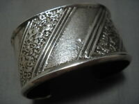 EXCEPTIONAL VINTAGE NAVAJO STERLING SILVER NATIVE AMERICAN HEAVY BRACELET