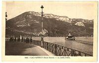 CPA 74 Haute-Savoie  Lac d'Annecy Au Jardin Public animé bateau