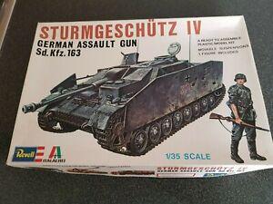 Revell 1/35 H-2118 German assault gun Sturmgeschutz IV Sd.Kfz.163 Vintage 1976