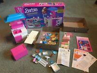 VTG Barbie Dream Kitchen 1984 Possibly Complete
