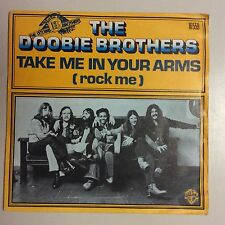 DISQUE 45T THE DOOBIE BROTHERS TAKE ME IN YOUR ARMS