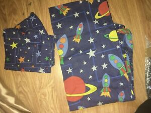 BOYS SINGLE BED COTTON BLEND SPACE DESIGN DUVET COVER AND PILLOWCASE (EX COND)