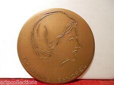 Médaille Bronze Micheline Sandrel Le Temps n'existe pas Benn
