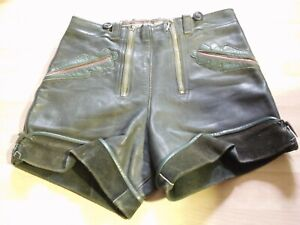 kurze Lederhose, Herren, dunkelgrünes Leder mit mittelgrünen Applikation. BW 68