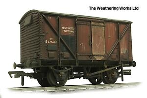 Boxed Bachmann 12t BR Ply sided vent van wagon *PRO WEATHERED LOOK*