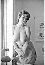 Model nude girl print leggy busty art woman female picture JULIE-m
